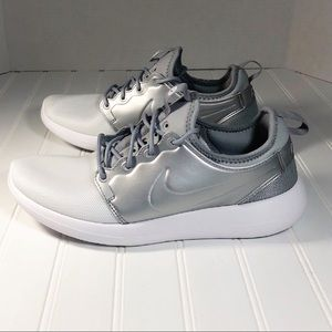 official photos 8b3f3 4c389 Nike Shoes - Nike Roshe Two Metallic Running Shoes 844656-100